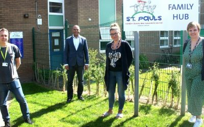 The Mayor visits St. Pauls Nursery School and Children's Centre Food Club